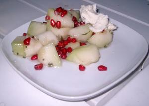 Melonsallad med granatäpple och mascarpone