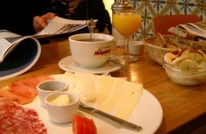 Frukost på Café Frankfurt
