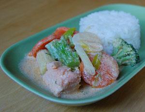 Lax med grönsaker i kokosmjölk
