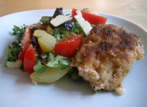 Ost- & skinfylld schnitzel med potatissallad