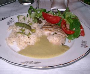 Chilimarinerad kyckling, risotto med sparris och sparrissås