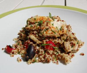 Quinoasallad med halloumi och kyckling
