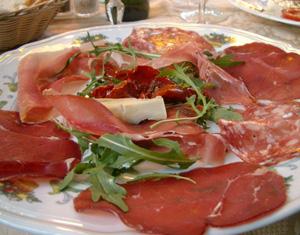 Salami, skinka och bresaola