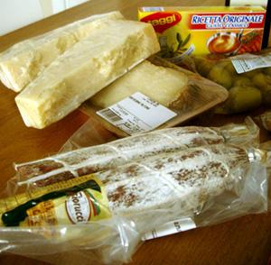 Parmesan, Pecorino och salami