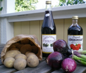 Färskpotatis, svart vinbärsnektar, körsbärssaft och färsk rödlök från Brofästet Senoren