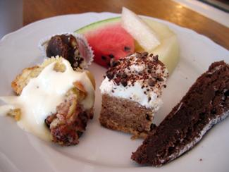 En del av det imponerande dessertutbudet