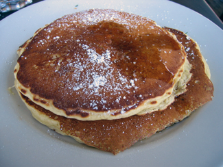 Short stack pancakes