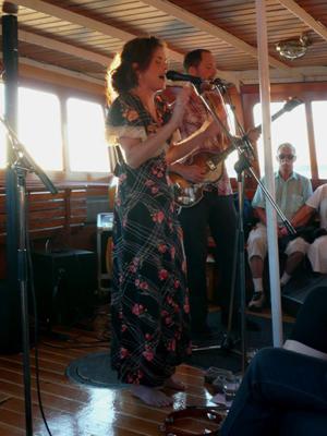 Rebecka Törnqvist uppträdde ombord