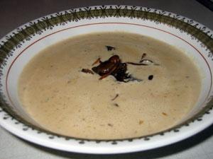Soppa på trattkantareller